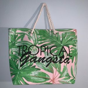 brand new tropical tote 🌴